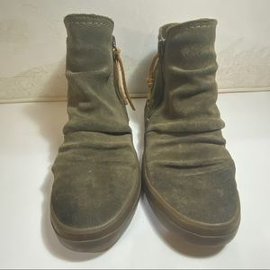 Sperry | Crest Lug Zone Suede Shoes | Size 6